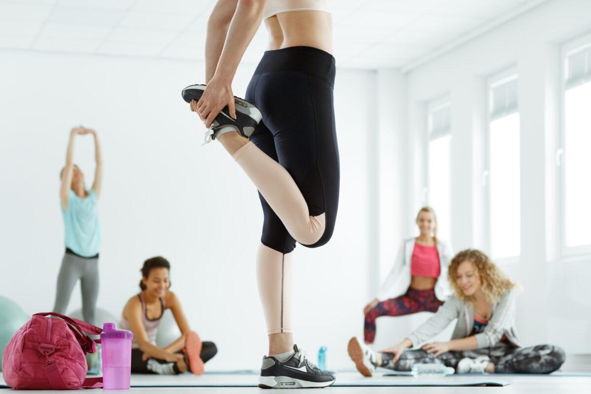 Lo step è uno dei più classici esercizi per allenare i glutei e rinforzare gli arti inferiori. Scopriamolo nel dettaglio in questo articolo.