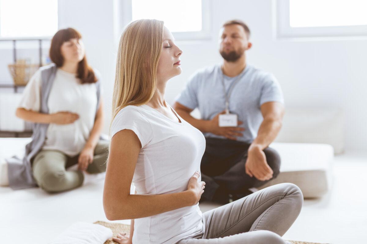 Tutti sappiamo che il diaframma è il muscolo principale per la respirazione. Vediamo nel dettaglio come lavora e perché mantenerlo rilassato.